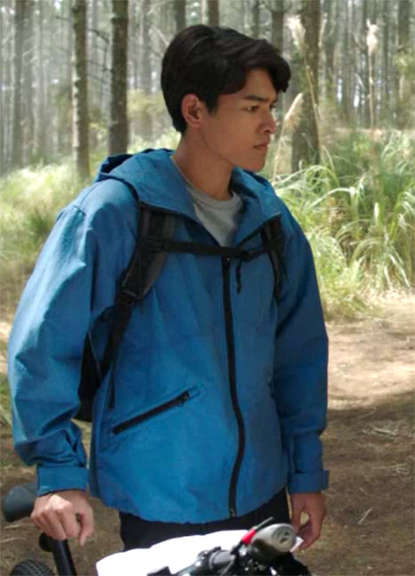 Power Rangers Dino Fury Ollie Akana Blue Jacket.jpg